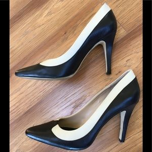 Banana Republic Modern Spectator Pumps